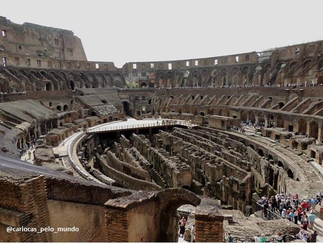 O Coliseu é um espetáculo à parte! Dá para passar mais da metade do dia em suas ruínas sem se dar conta da hora